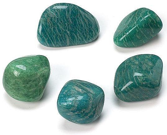 Драгоценные и поделочные камни  4680
